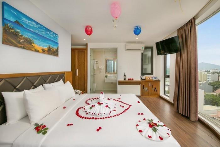 la_beach_hotel_deluxe