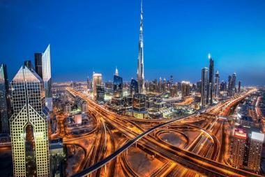 HCM - Brunei - Dubai - Abu Dhabi 4N Bay Emirates Airlines 5*