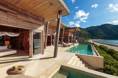 Combo Côn Đảo 2N1Đ + Six Senses Resort 5* + Vé MB + Tặng Kayak + Taichi