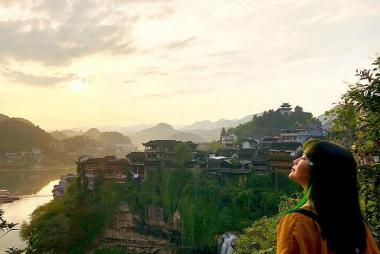 Hà Nội - Nam Ninh - Trương Gia Giới - Trấn Phù Dung - Phượng Hoàng Cổ Trấn - Thành Cổ Càn Châu 6N5Đ