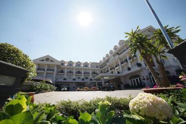 Combo Đà Lạt 3N2Đ - Sammy Dalat Hotel 4* + Vé máy bay/Xe Limousine