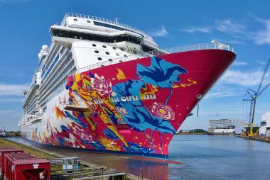 Hải trình Singapore - Indonesia 3N2Đ - Du thuyền 5* Genting Dream