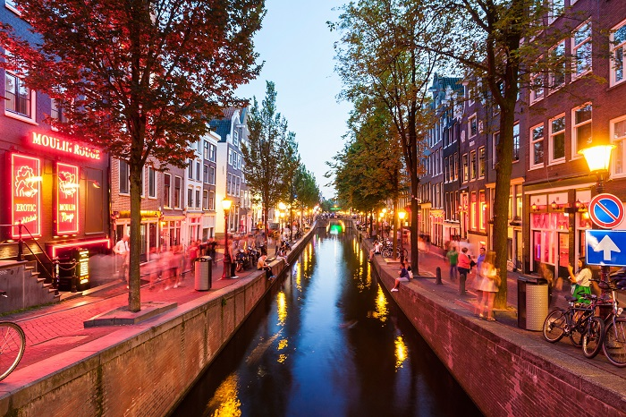 Amsterdam-Red-Light-District_1
