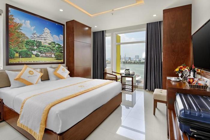 merry_hotel_phong