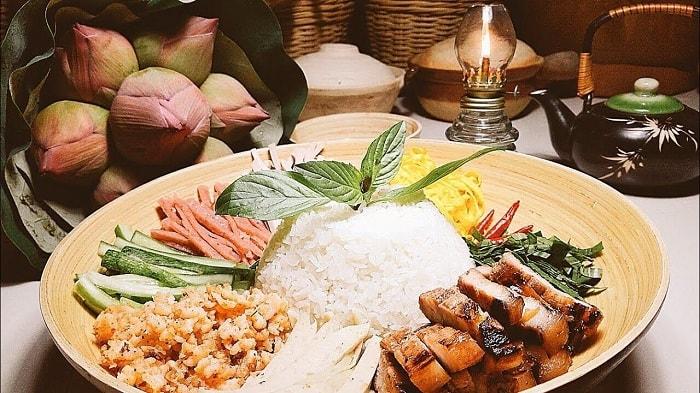 Cơm âm phủ là món ăn bình dân nhưng lại có hương vị cung đình