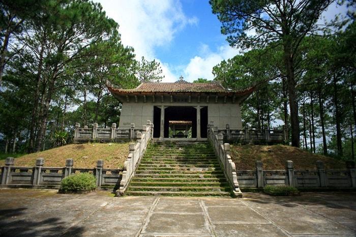 Ông Nguyễn Hữu Hào là cha ruột Nam Phương Hoàng hậu