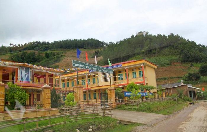 Trường tiểu học ở xã Chế Cu Nha.