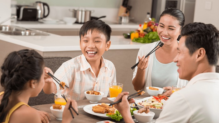 Không được chê khi món ăn đó không hợp khẩu vị với mình là một trong những quy tắc trên bàn ăn của người Việt