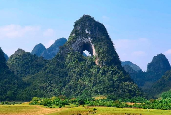 Núi Mắt Thần độc nhất vô nhị ở Việt Nam