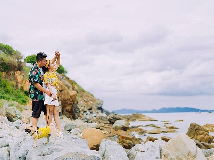 Nơi đây còn là điểm đến yêu thích để các cặp đôi chụp ảnh cưới.