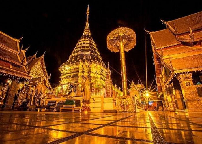 Chùa Phrathat Doi Suthep linh thiêng nhất Chiang Mai. Ảnh: dreamstime.com