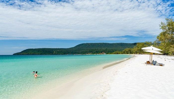 Bãi biển xanh ngắt của Sihanoukville. Ảnh: viaggiare.asia