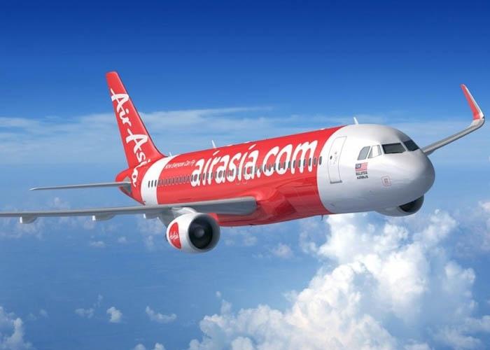 Air Asia là một trong những hãng hàng không giá rẻ khai thác chuyến bay thẳng từ Việt Nam đến Johor Bahru. Ảnh: airasia.com
