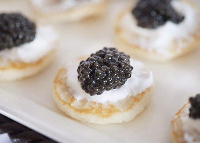 Bánh xếp Blini. Ảnh:Caviar Company.
