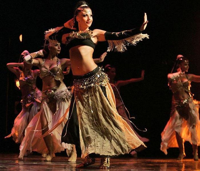 Điệu múa belly dance nhằm tôn vinh vẻ đẹp hoàn mỹ của người phụ nữ. Ảnh: vietnamembassy-turkey.org