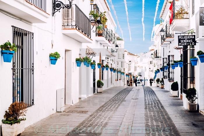 Đây là một ngôi làng cổ mang đậm nét truyền thống của Địa Trung Hải. Ảnh: sohu
