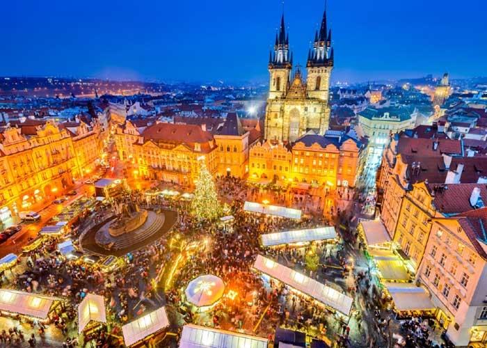 Chợ Giáng sinh ở Prague. Ảnh: Europeanbestdestinations