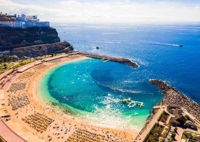 Quần đảo Canaria là địa điểm đến châu Âu ấm áp nhất cho Giáng sinh. Ảnh: aviontourism.com