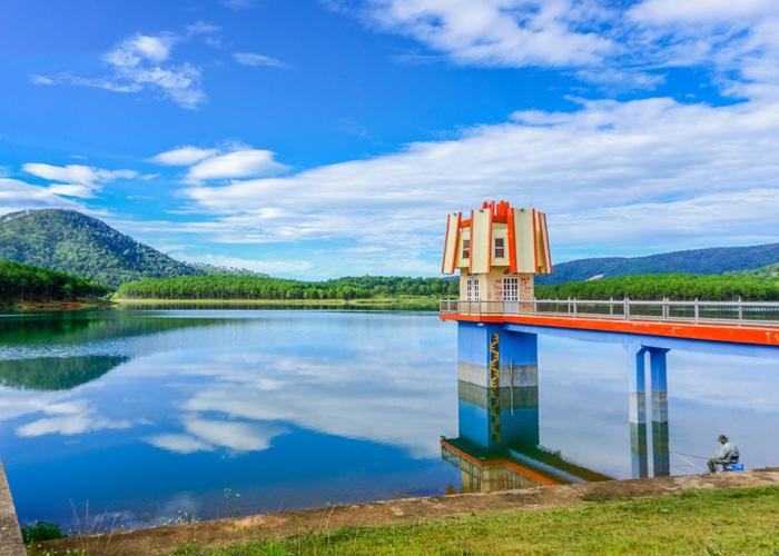 Hồ Tuyền Lâm. Ảnh: tago.vn