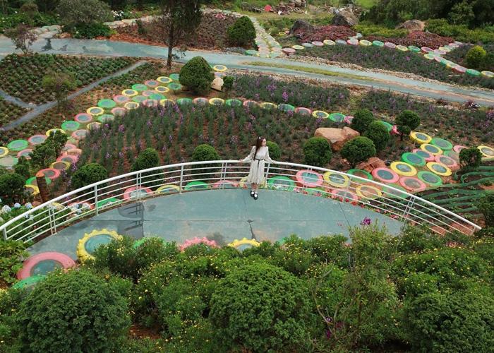Que Garden được ví như một Nhật Bản thu nhỏ. Ảnh: ivivu.com.vn