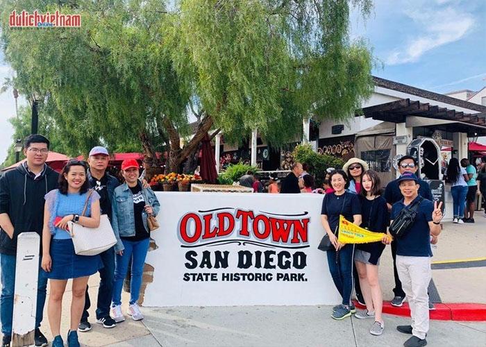Du khách tham gia tour du lịch Mỹ do Lữ Hành Việt tổ chức