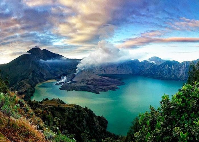 Núi lửa Rinjani. Ảnh: vietair.com.vn