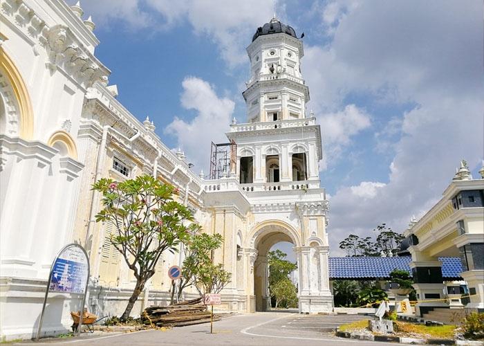 Bảo tàng Hoàng Cung Sultan Abu Bakar. Ảnh: thecrazytourist.com