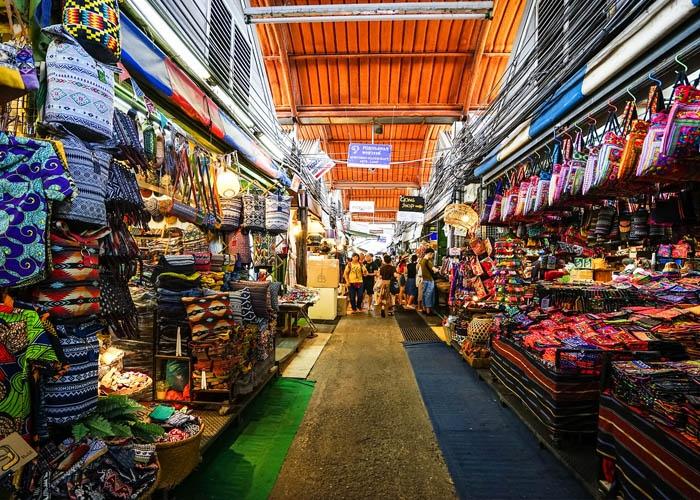 Chợ cuối tuần Chatuchak. Ảnh: Sohu.com