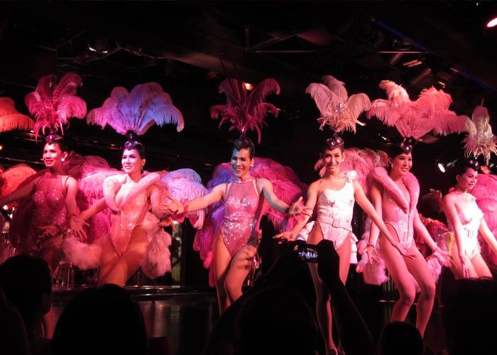 Show Calypso Cabaret của những cô nàng chuyển giới xinh đẹp. Ảnh: blog.eoasia.com