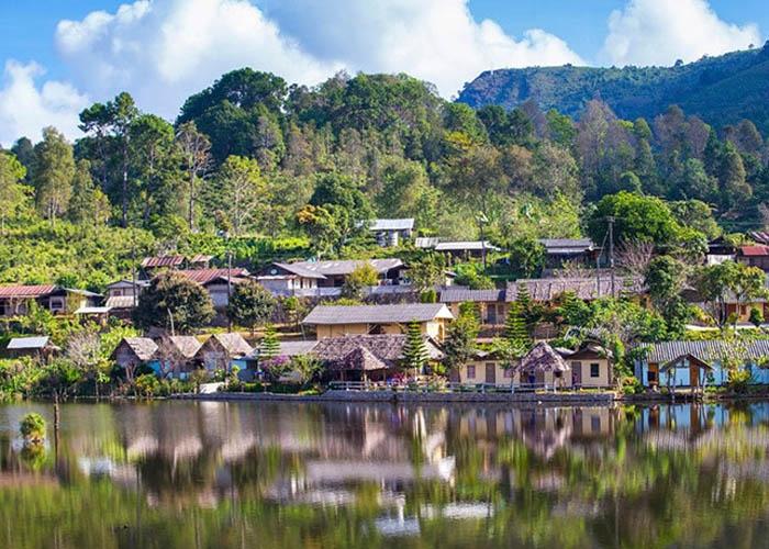 Thị trấn Pai yên bình và xinh đẹp. Ảnh: chudu24h.com