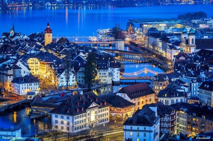 """Vào Mùa Vọng, Lucerne trở thành """"Thành phố Ánh sáng"""" với hàng vạn ánh đèn."""