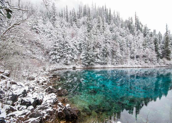 Hồ Ngũ Sắc. Ảnh: 123rf.com