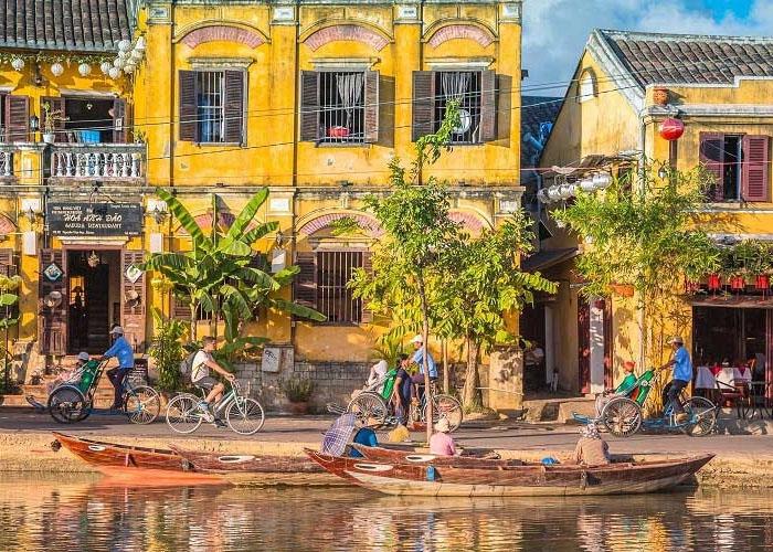 Trong năm 2019, phố cổ Hội An và các điểm đến Việt Nam nhận được nhiều giải thưởng danh giá về du lịch của châu lục và thế giới. Ảnh: Travel