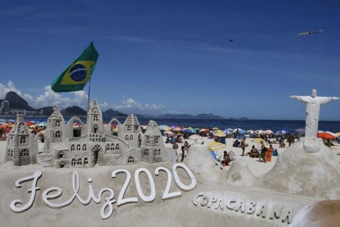 Không khí tưng bừng chuẩn bị chào đón năm mới 2020 ở khắp nơi trên thế giới