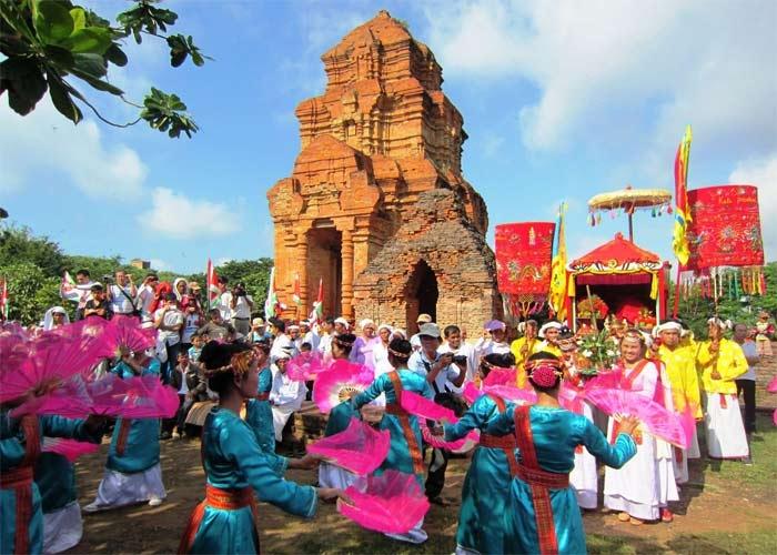lễ hội tháng 10 Ninh Thuận