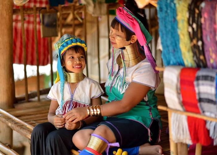 Người dân tộc thiểu số Karen. Ảnh: blog.queensberry.com.br
