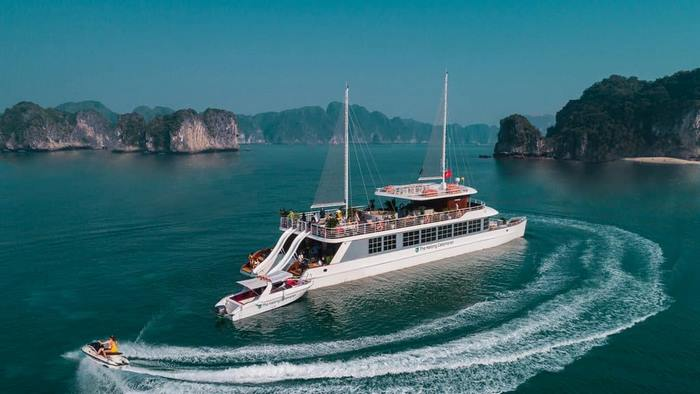 Dịch vụ giải trí vịnh Hạ Long