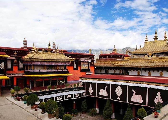 Tu viện Samye. Ảnh: chinatour.com