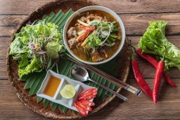7 quán bún bò Huế siêu ngon, cực đông khách ở Huế