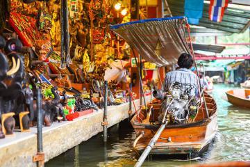Khám phá đời sống văn hóa đầy sắc màu của người Thái Lan qua hai khu chợ nổi tiếng nhất Bangkok
