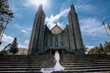 Nhà thờ Phủ Cam - điểm sống ảo đẹp như trời Âu trên đất Huế