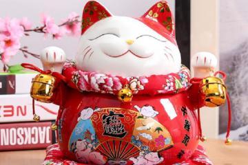 Mèo may mắn Maneki Neko và những món quà lưu niệm nên mua khi du lịch Nhật Bản