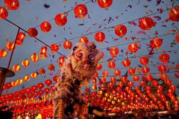Tặng quýt chín mọng và các phong tục đón Tết nguyên đán tại các nước châu Á
