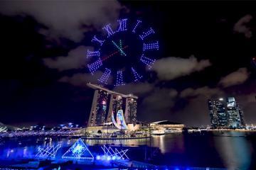 Màn pháo hoa mừng năm mới 2020 siêu hoành tráng tạo nên bởi 500 máy bay không người lái ở Singapore