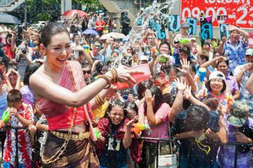 Đến Pattaya và khám phá những lễ hội hoành tráng nhất trong năm