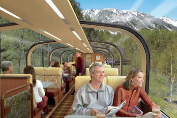 Trải nghiệm chuyến tàu lửa trong suốt tại Canada, chiêm ngưỡng vẻ đẹp hùng vĩ của dãy Rocky