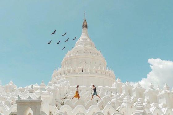 Ngỡ ngàng trước sắc trắng tinh khôi của ngôi chùa Hsinbyume giữa lòng Myanmar