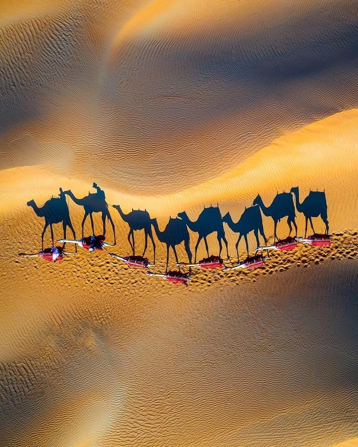 Trào lưu du lịch mới: Trốn Covid ở sa mạc Simpson.