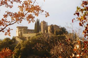 Tin được không? Bạn có thể sống trong một lâu đài cổ Tây Ban Nha với giá chưa đến 30 USD một đêm