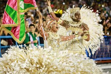 Nữ hoàng Carnival: chuyện chưa kể sau những nụ cười và điệu nhảy cuồng nhiệt